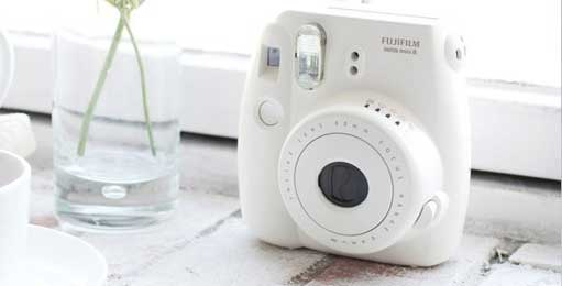 Fuji Fujifilm Galway instax mini8 compact body design camera available in many colors!